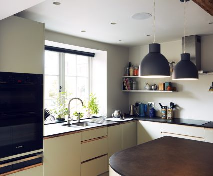 Crafted kitchen - Exeter City Architects